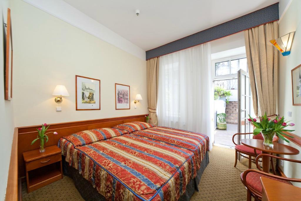 호텔 16