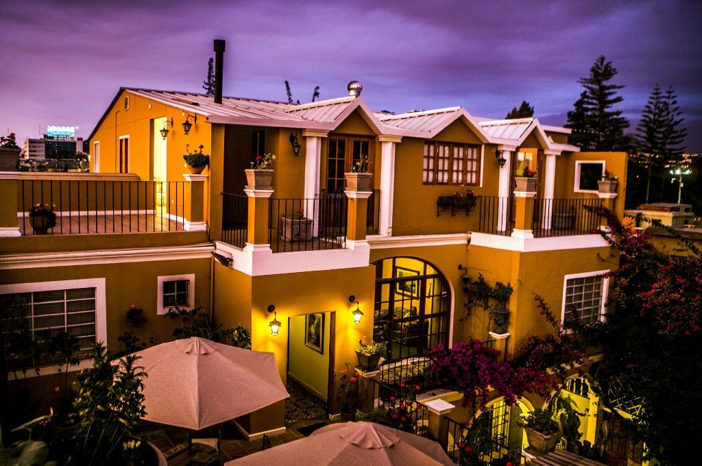 拉胡斯特里亞飯店