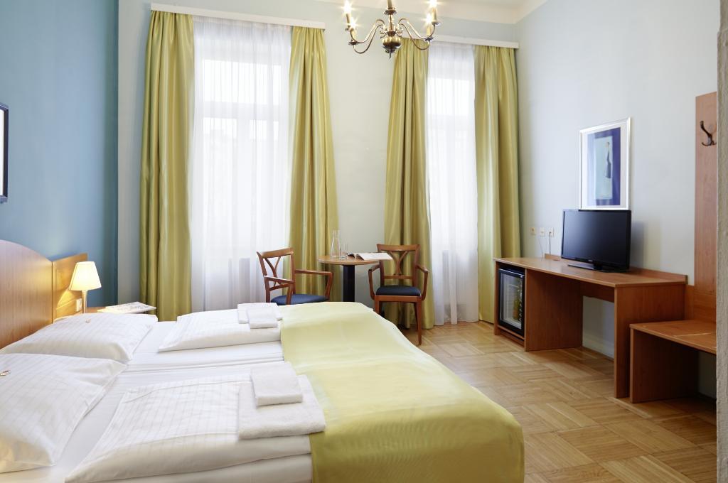 ホテル ドナウワルツァー