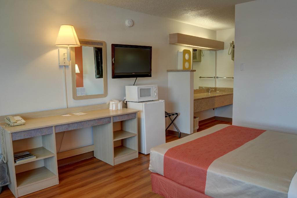 Motel 6 Bend