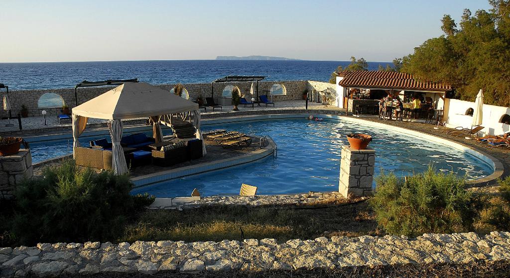 Lassion Golden Bay Hotel