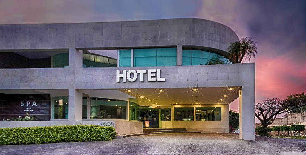 ホテル リオ 1300