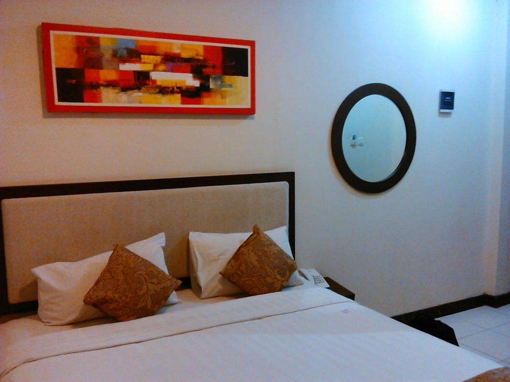 Next Tuban Hotel & Airy