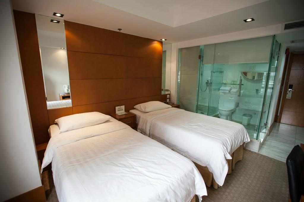 JJ Hotel bathroom. Photo courtesy of Tripadvisor.com