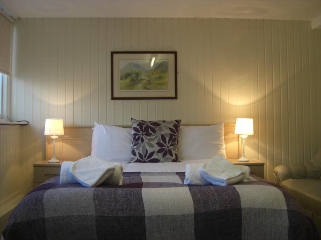 Arncliffe Hotel