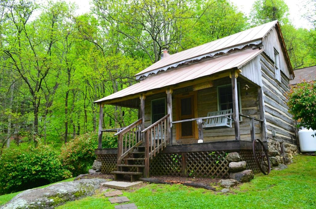 Cabins At Crabtree Falls