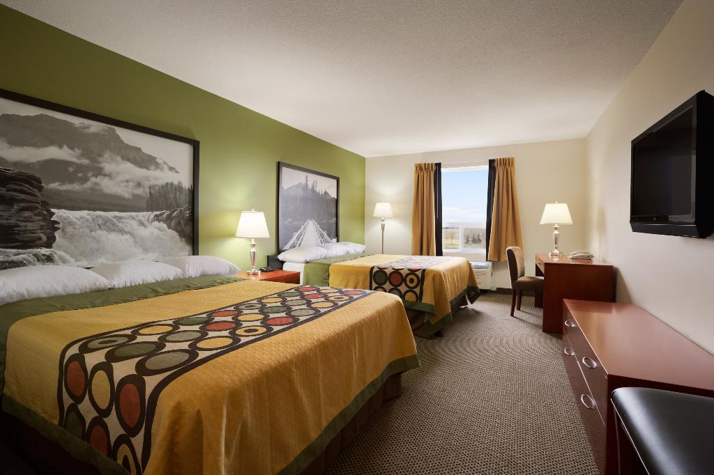 Super 8 Sherwood Park/Edmonton Area
