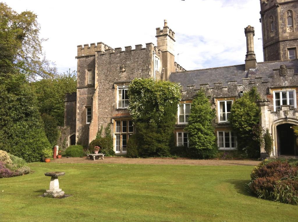 Uphill Manor