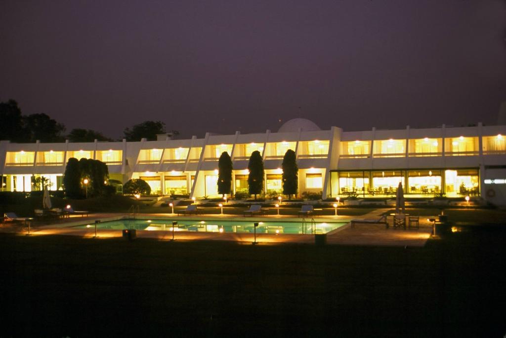 โรงแรม เดอะ เรดิสัน แจ๊ส คาจูราโฮ