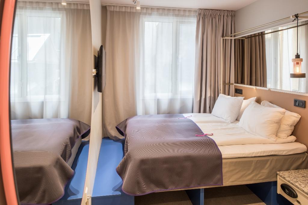 リカ トラベル ホテル
