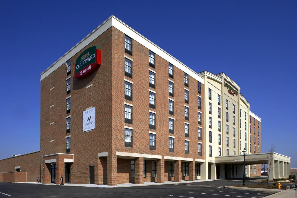 ‪Courtyard by Marriott Hamilton‬