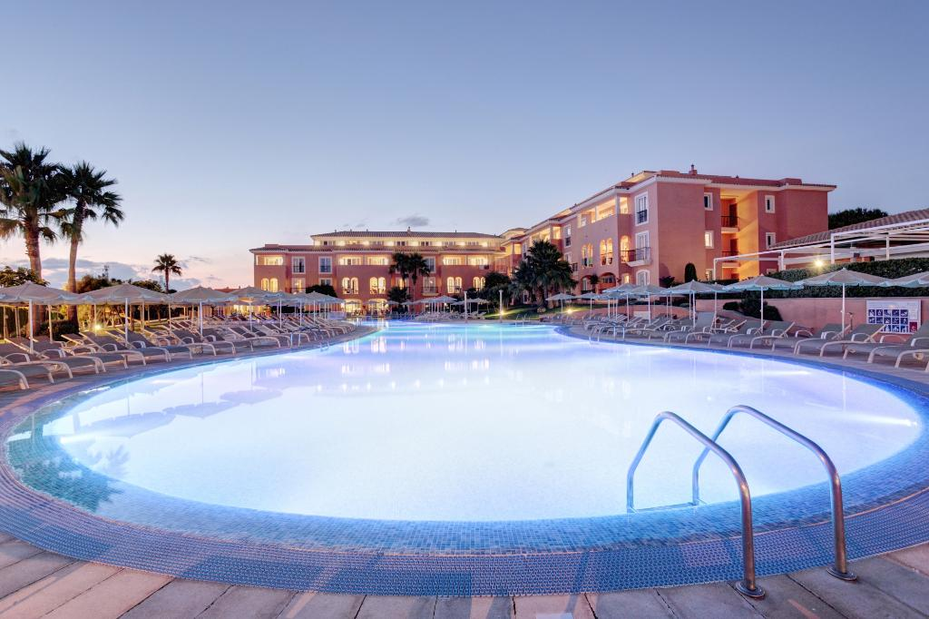 Grupotel Macarella Suites & Spa