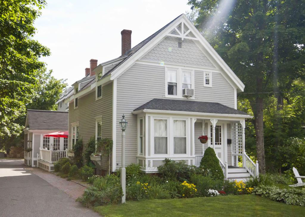 James Place Inn Bed and Breakfast