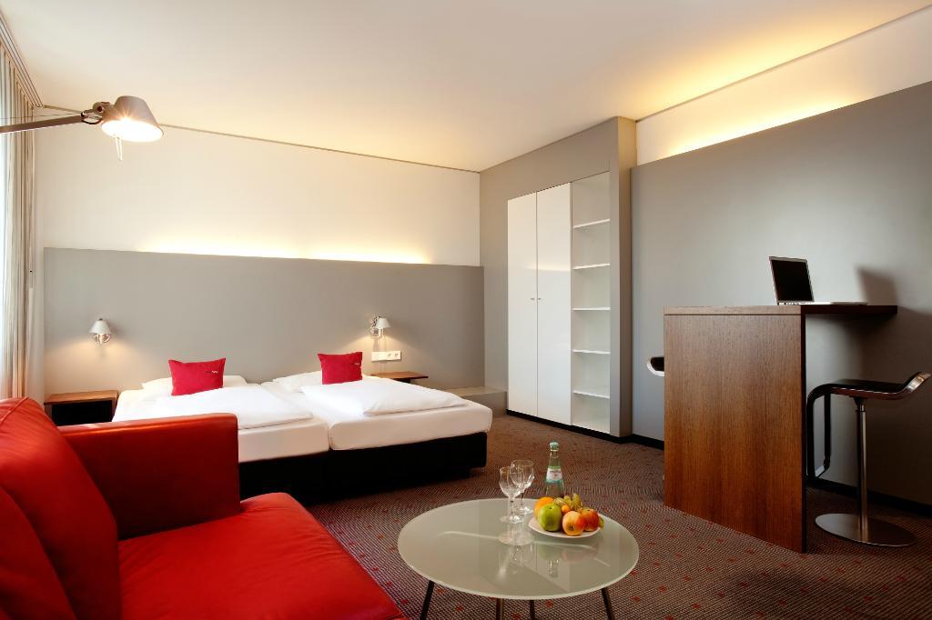 モー ホテル