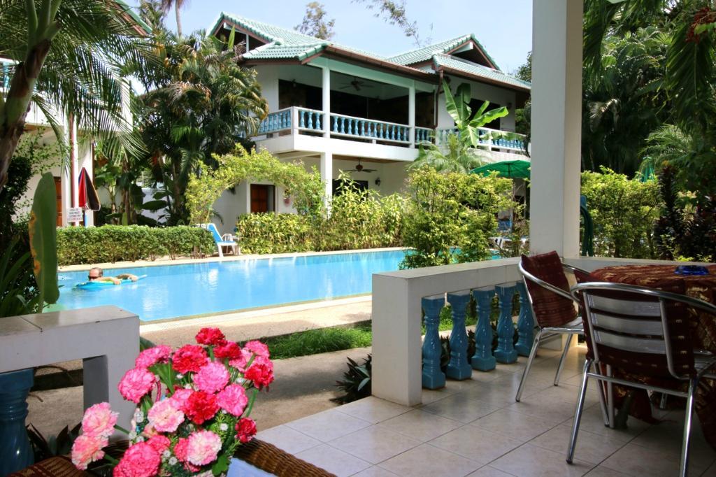 Ya Nui Resort
