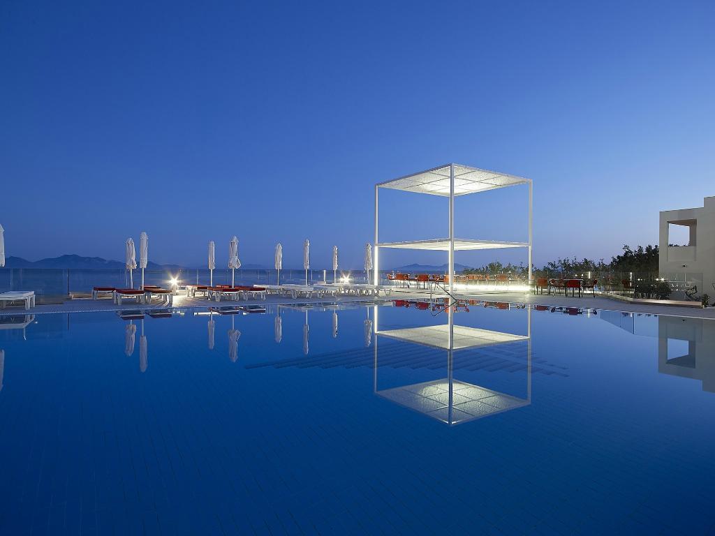 迪米特拉海濱渡假飯店 - 全包式
