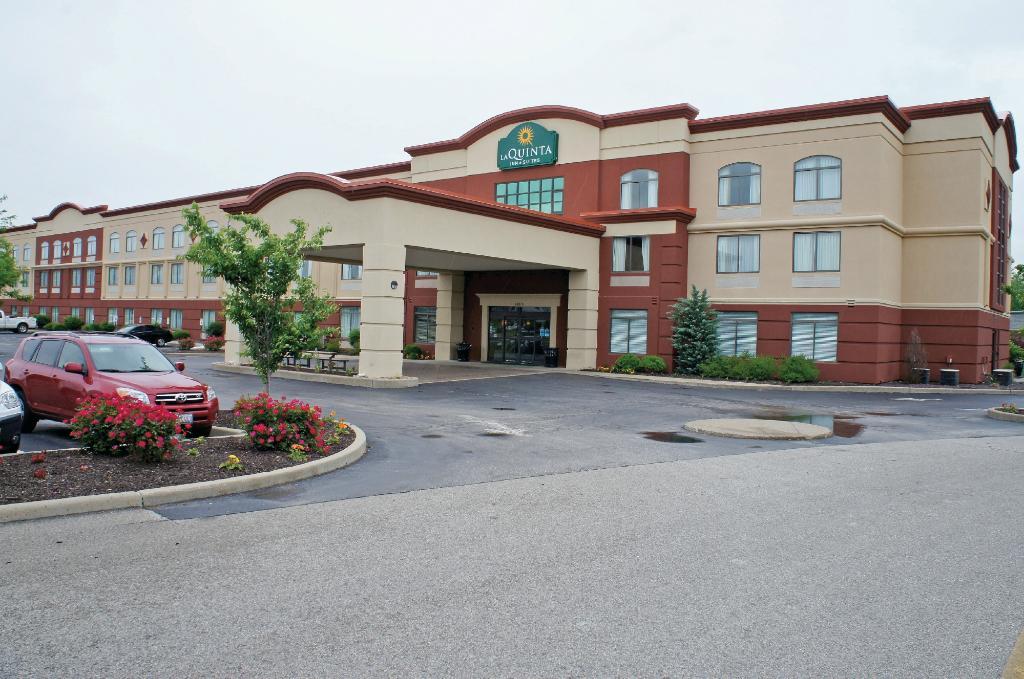 La Quinta Inn & Suites St. Louis Airport - Riverport
