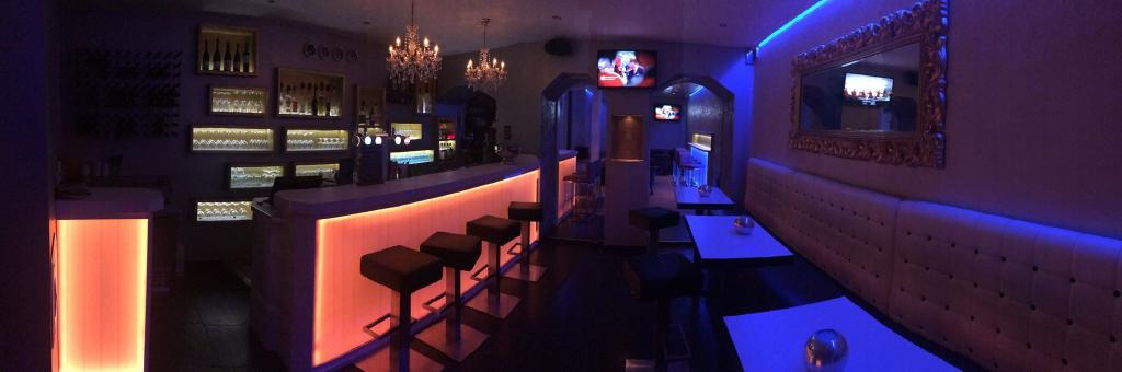 Le SOFT bar lounge