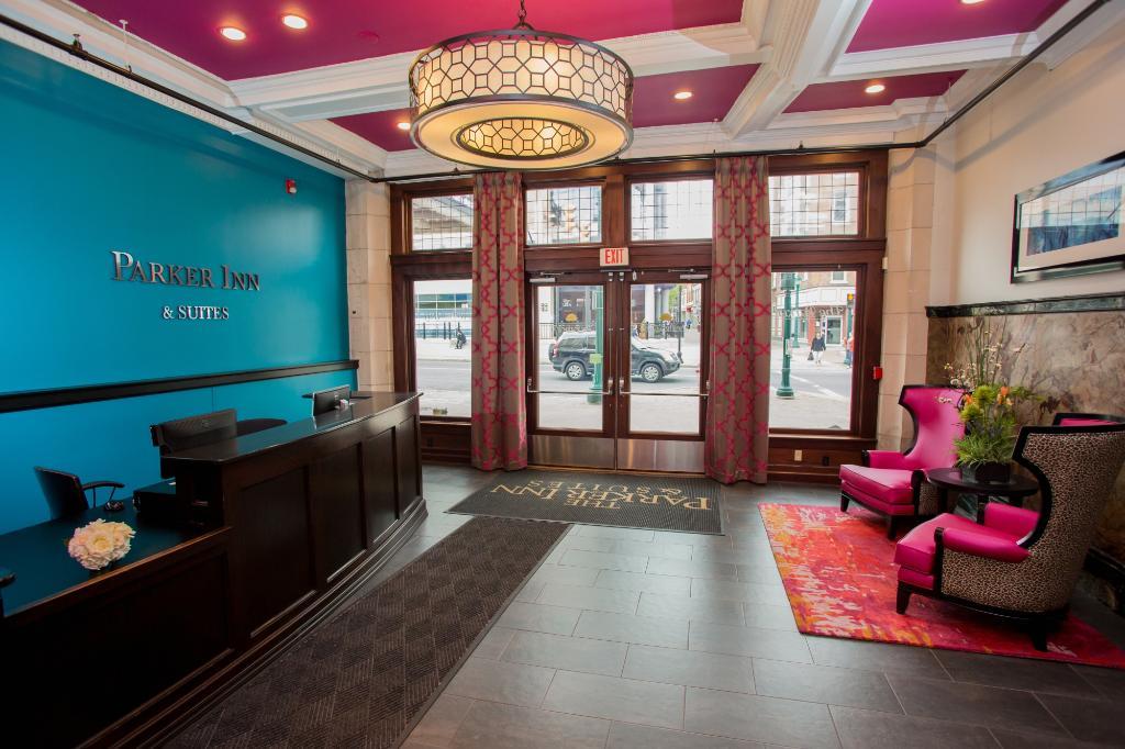 The Parker Inn & Suites