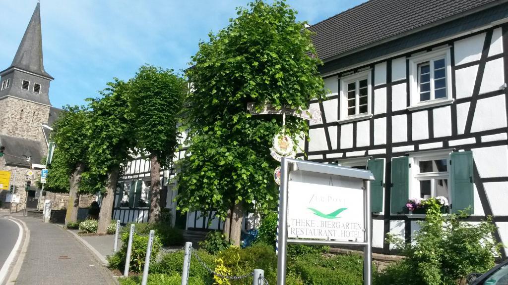 Zur Post Restaurant Hotel Theke Biergarten