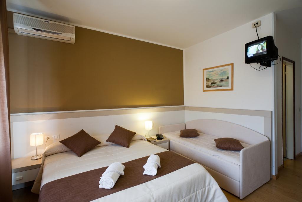 ホテル カナリエ