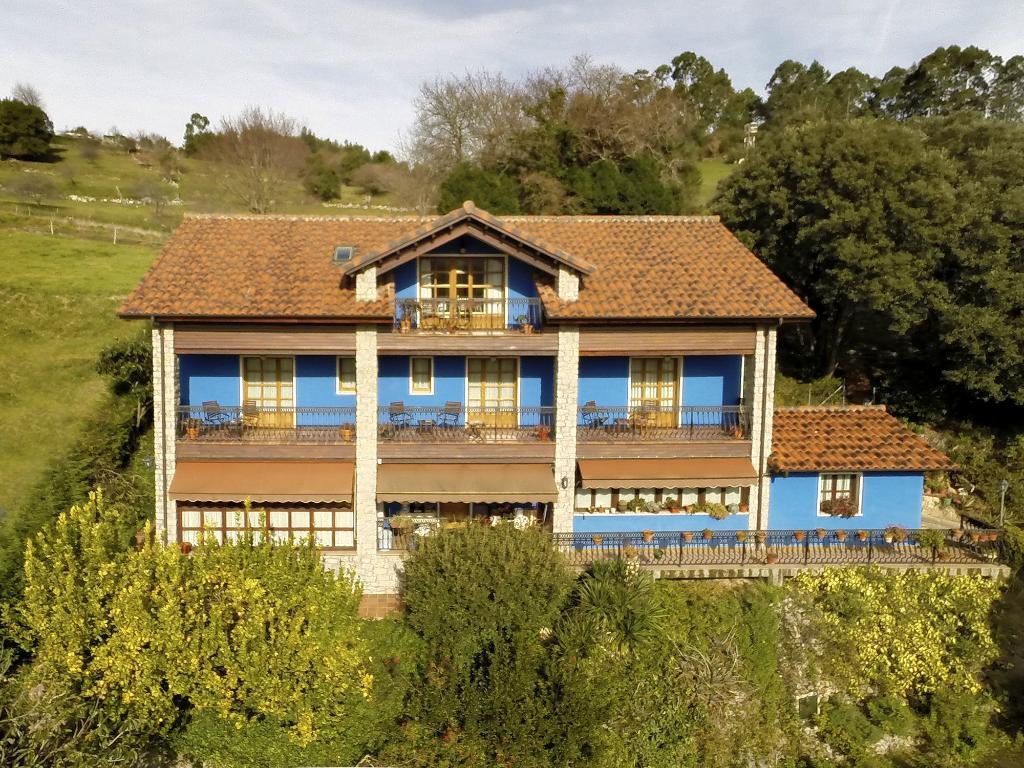 Alojamientos Rurales El Corberu