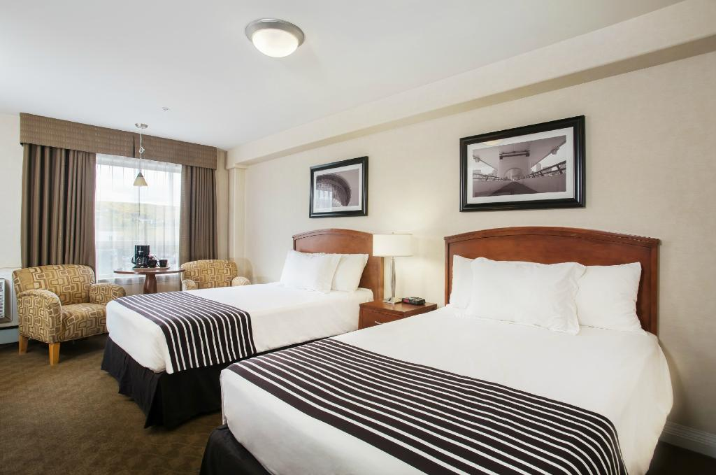 卡爾加里西套房桑德曼酒店