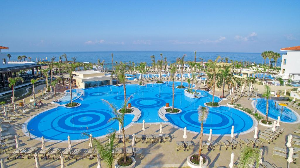 パフォス アマトゥス ビーチ ホテル