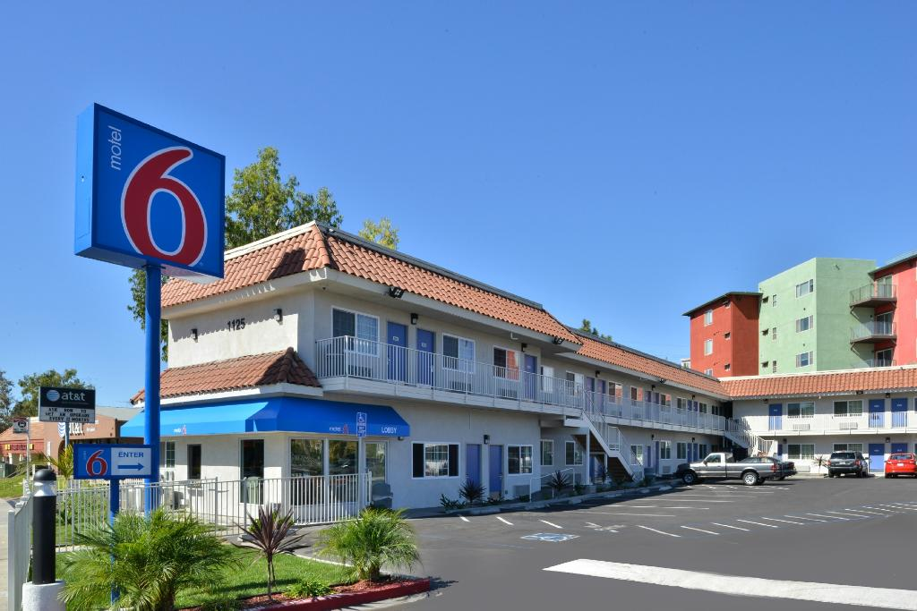 Motel 6 National City