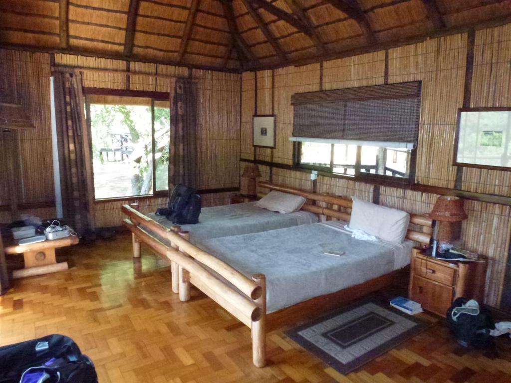 Hlatikulu 8 Bed Bush Lodge