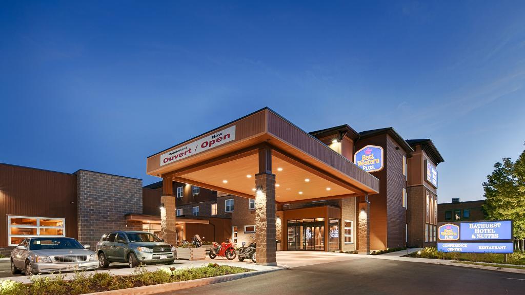 BEST WESTERN PLUS Bathurst Hotel & Suites