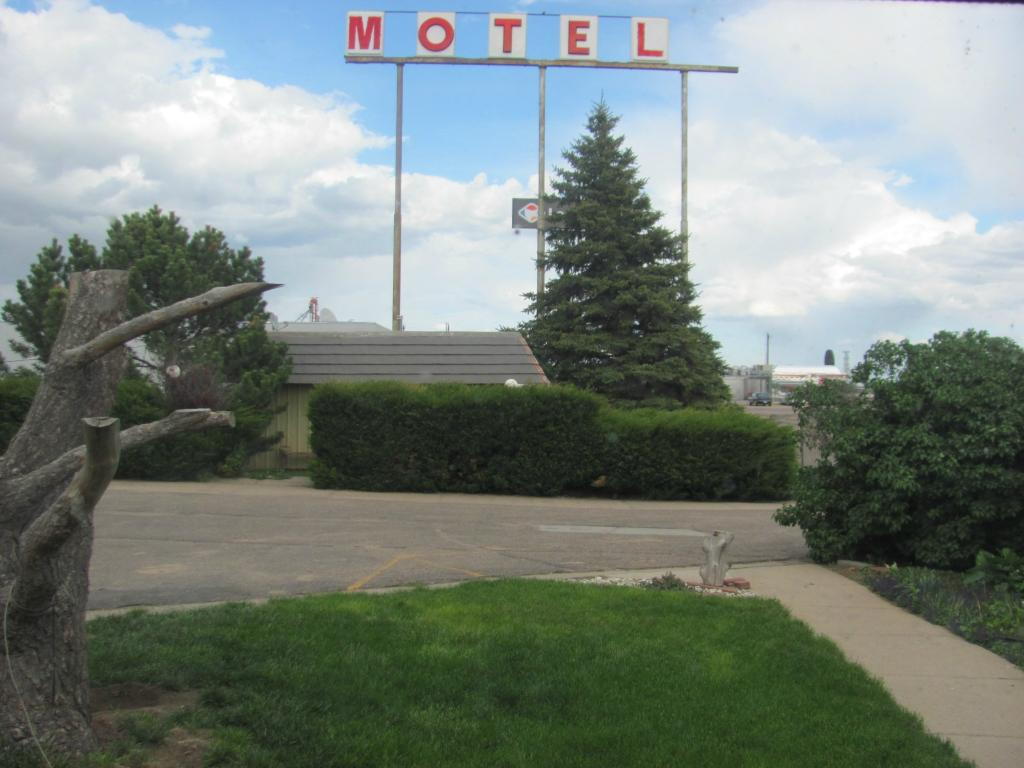 Little England Motel & RV Park