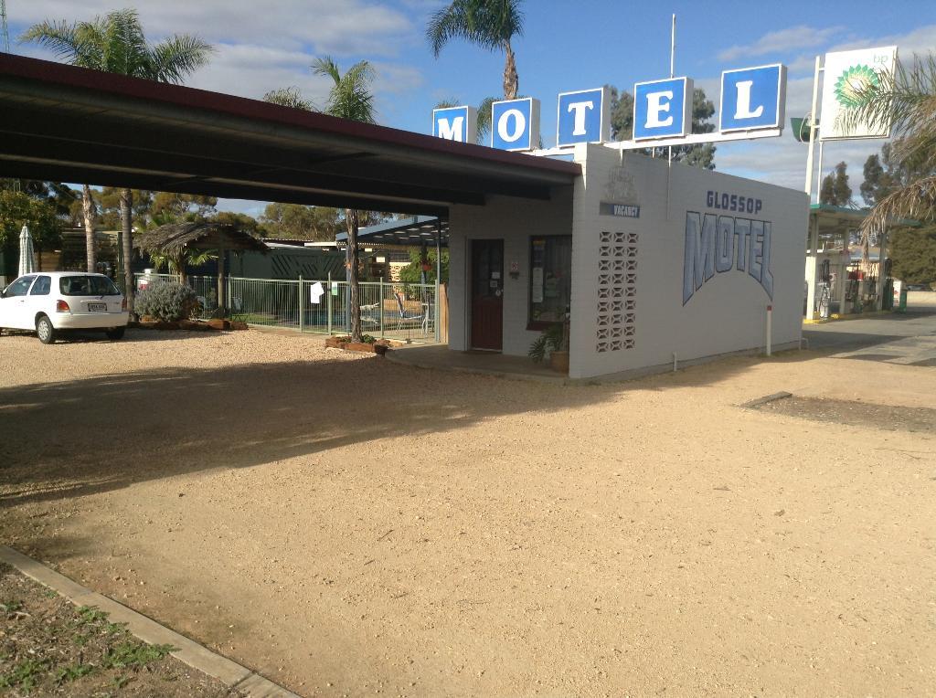 Glossop Motel