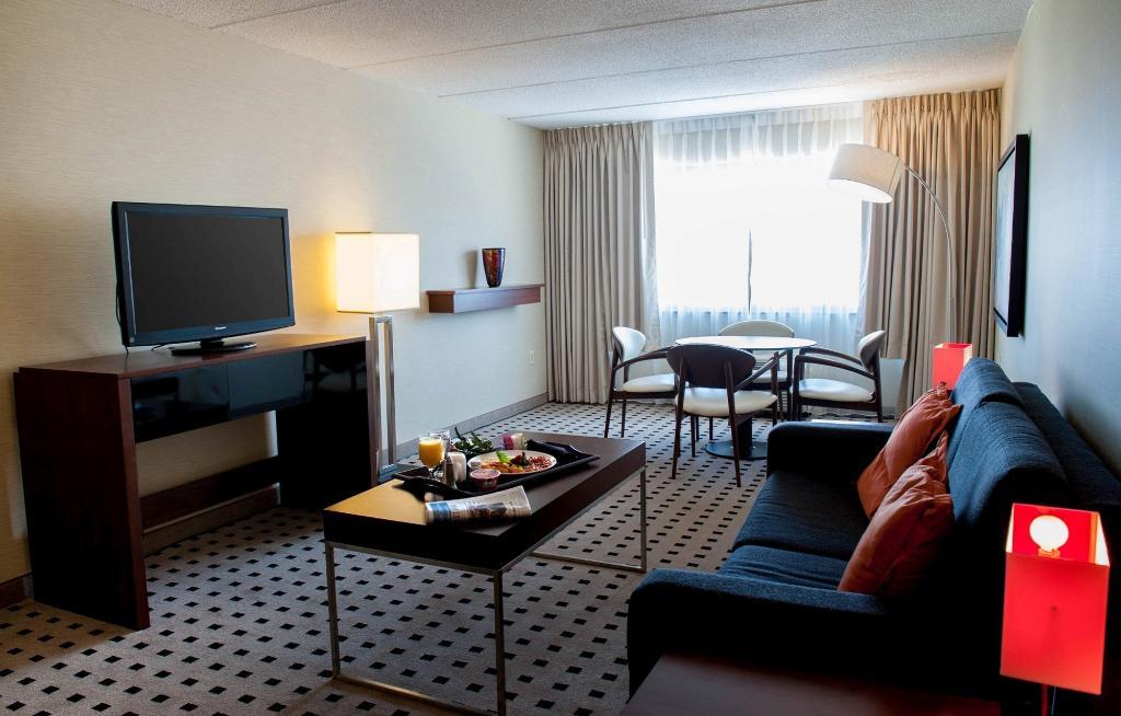 Radisson Hotel-Utica Centre