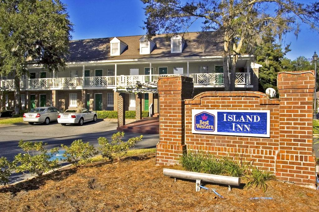 Best Western Plus - Island Inn
