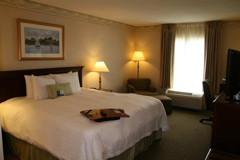 Hampton Inn & Suites Newport/Middletown