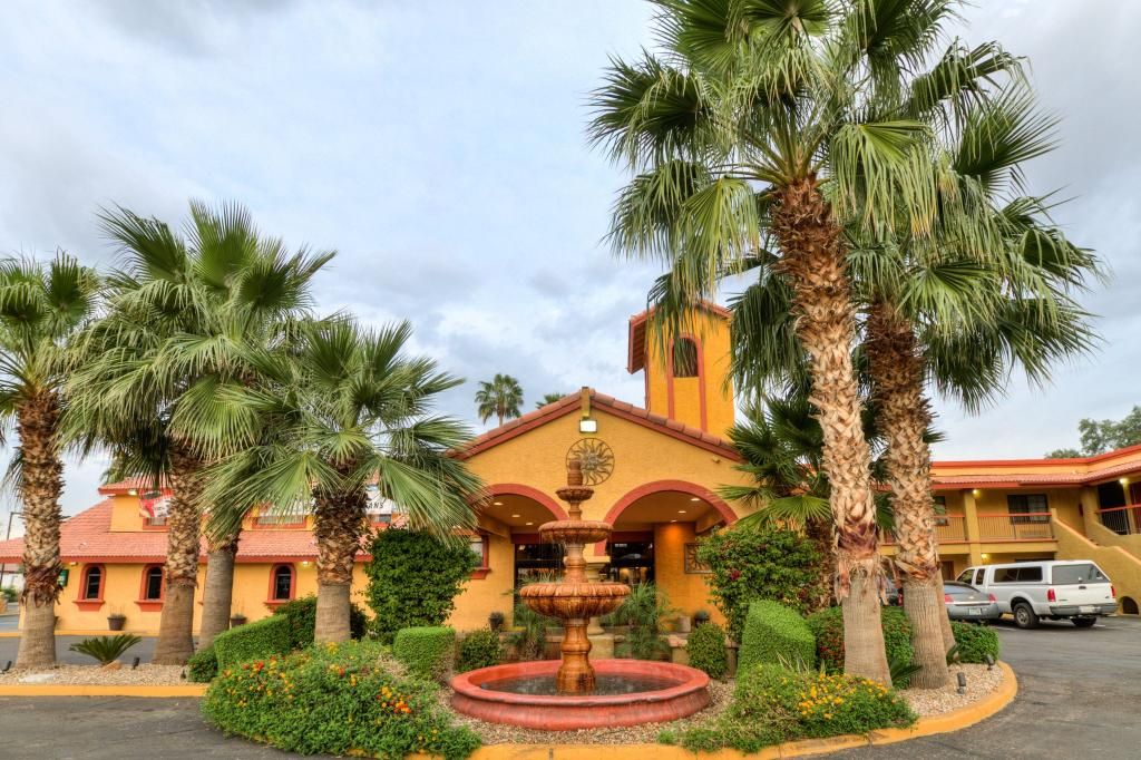 Quality Inn & Suites Goodyear