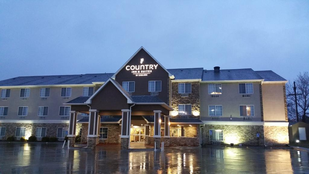 Country Inn & Suites By Carlson, Topeka West