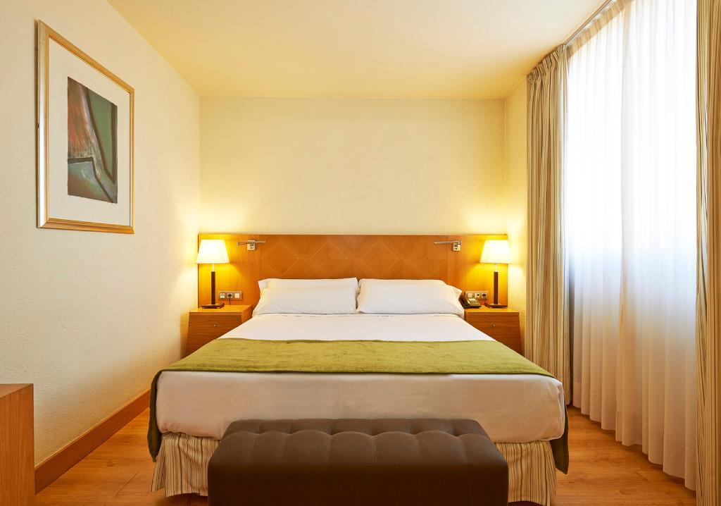 โรงแรมเอสเปเรีย ซานต์ฆุสท์