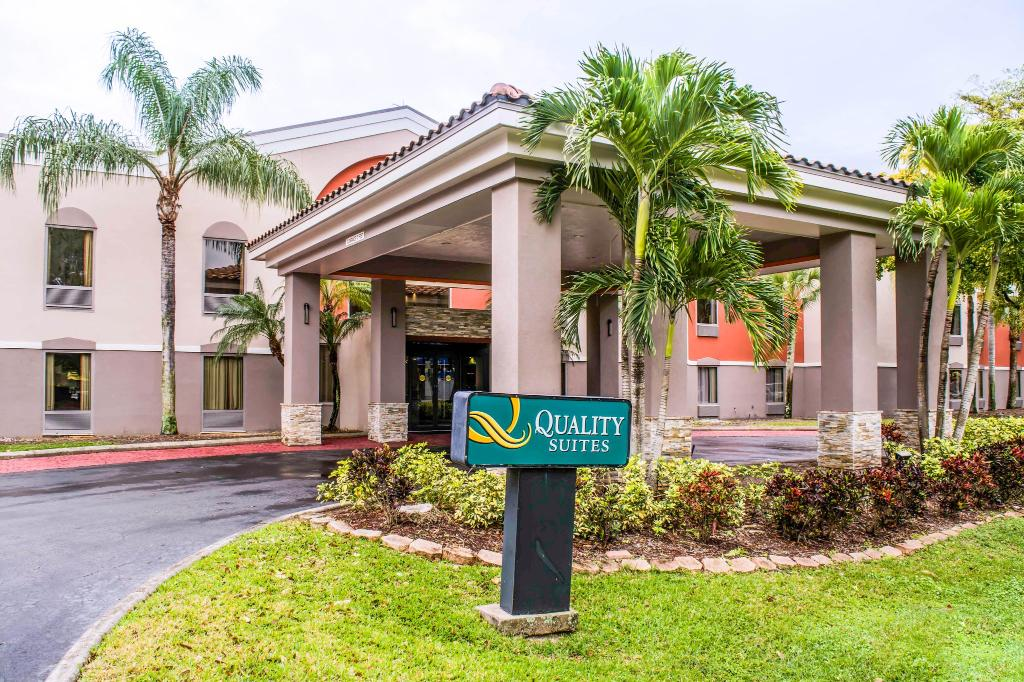 Quality Suites Fort Myers – I-75