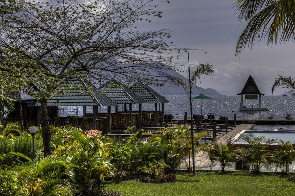 Toba Village Inn