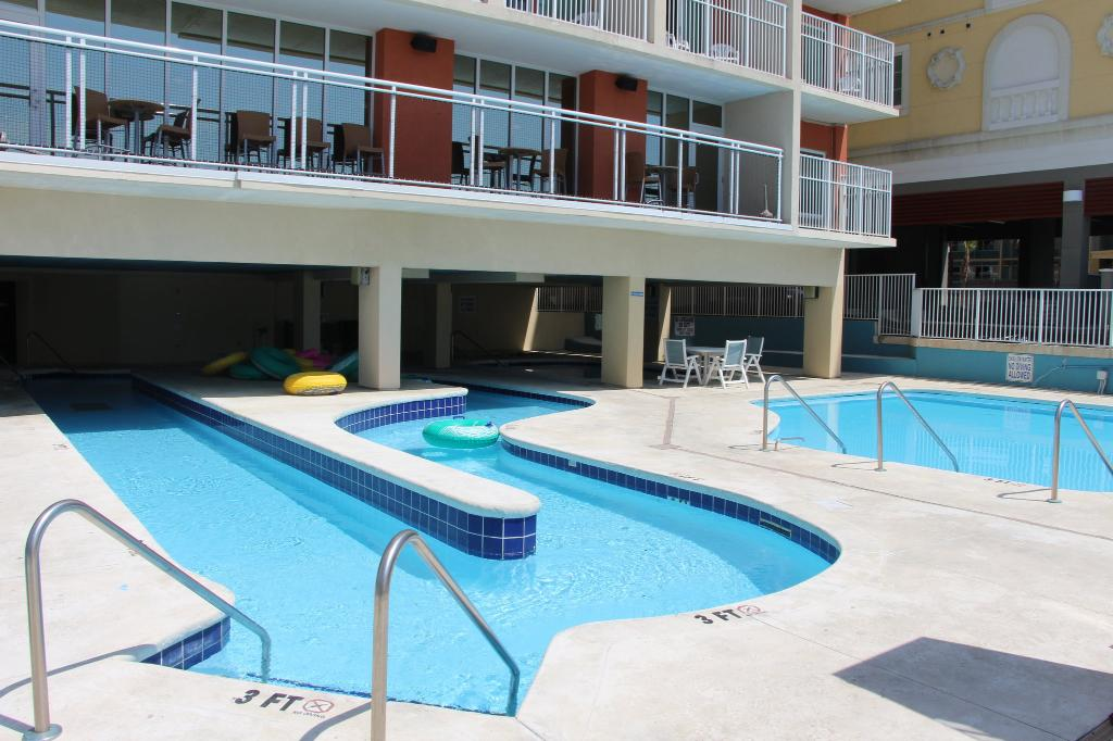 3 棵棕櫚樹海濱度假飯店