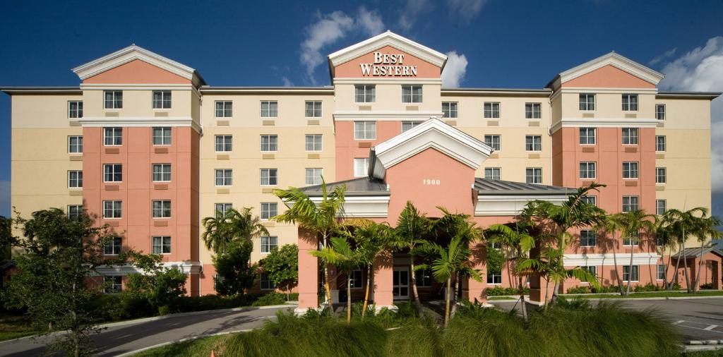 ‪BEST WESTERN PLUS Fort Lauderdale Airport South Inn & Suites‬