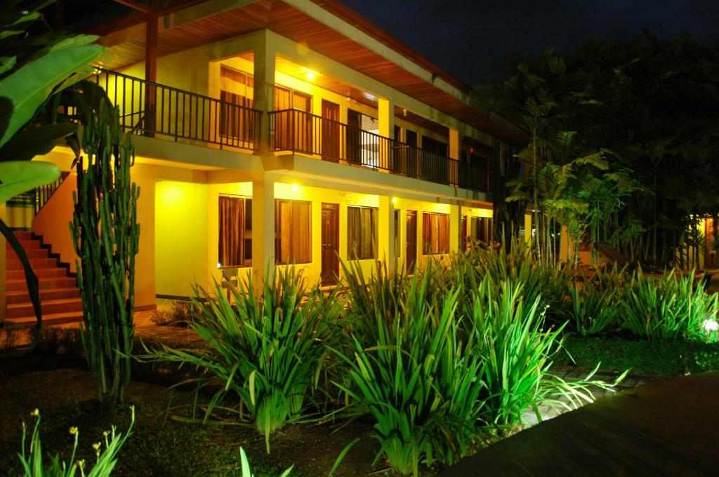 Arenal Backpackers Resort