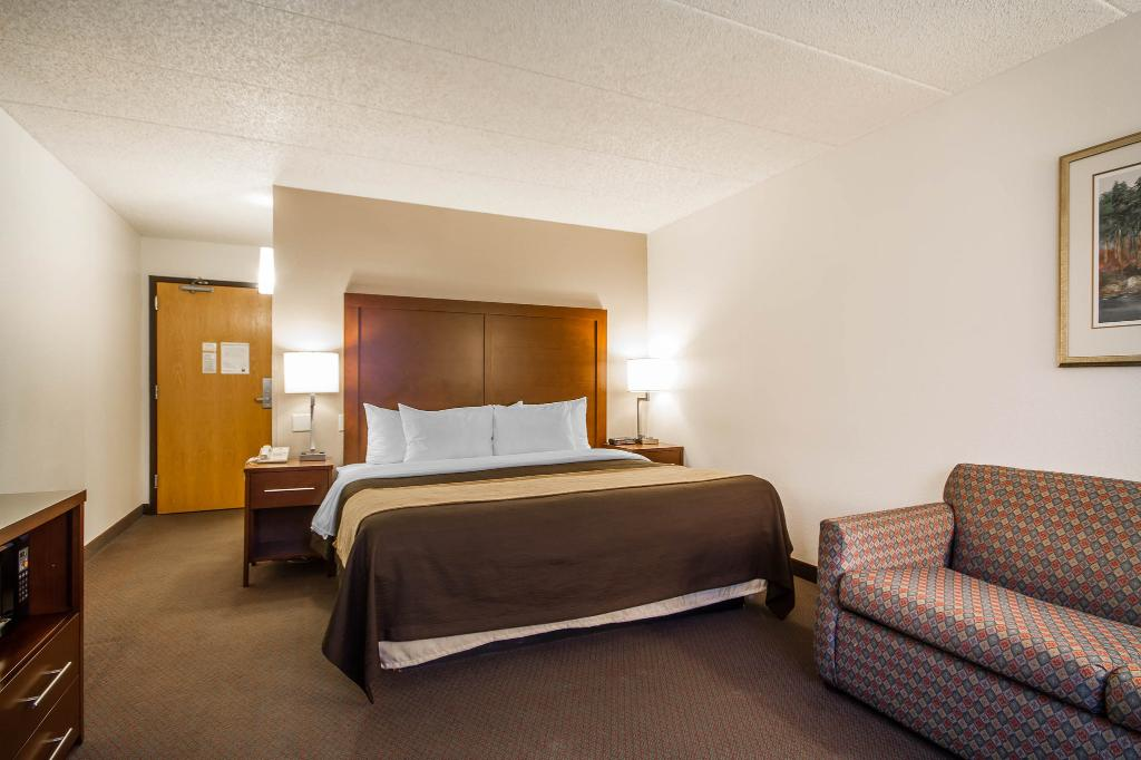 Comfort Inn & Suites Madison Airport
