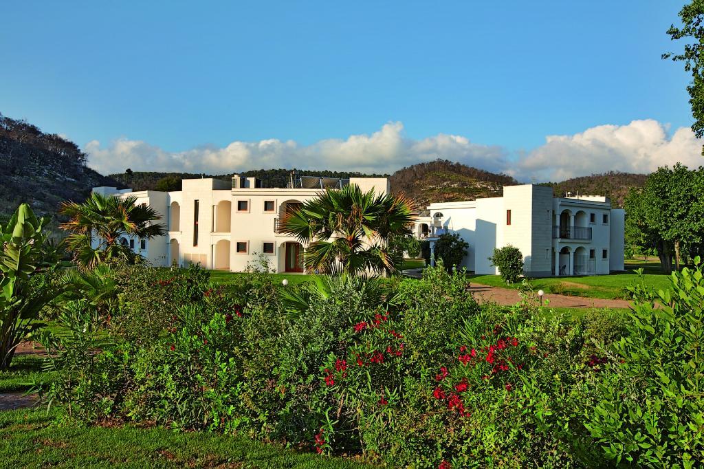 Gusmay Resort