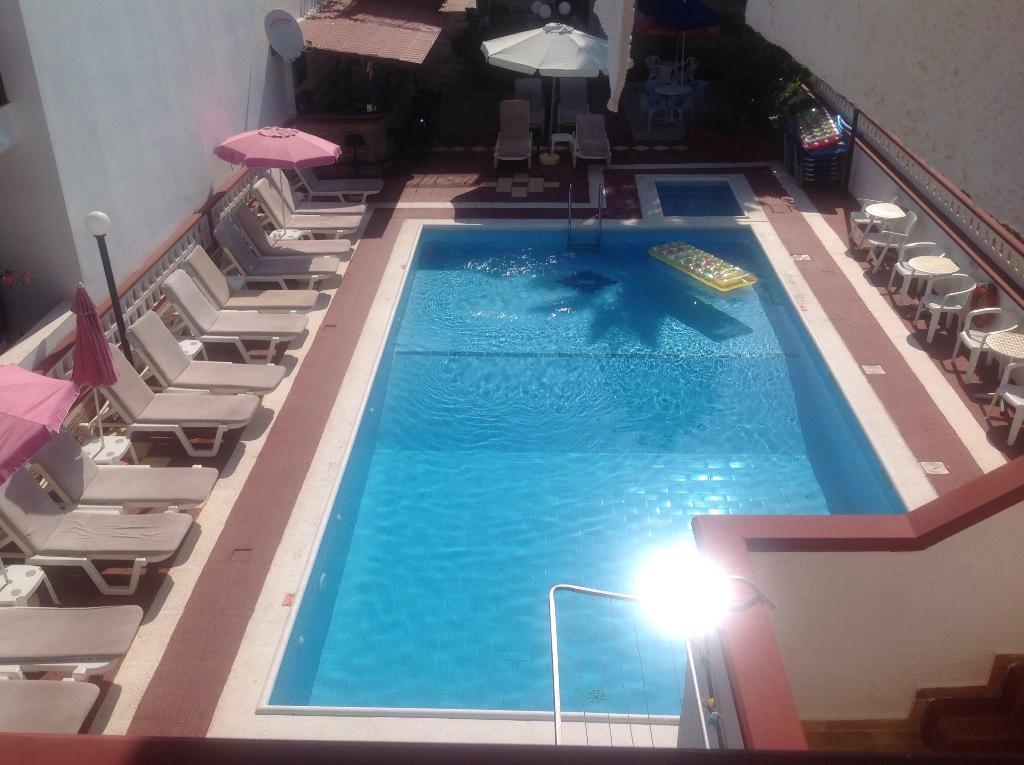 Eleni Apartments
