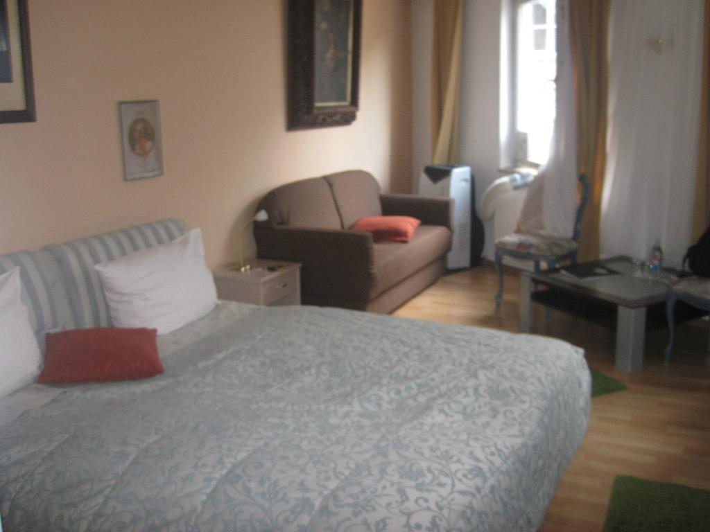 Hotel Am Friedrichsbad mit Prager Stuben
