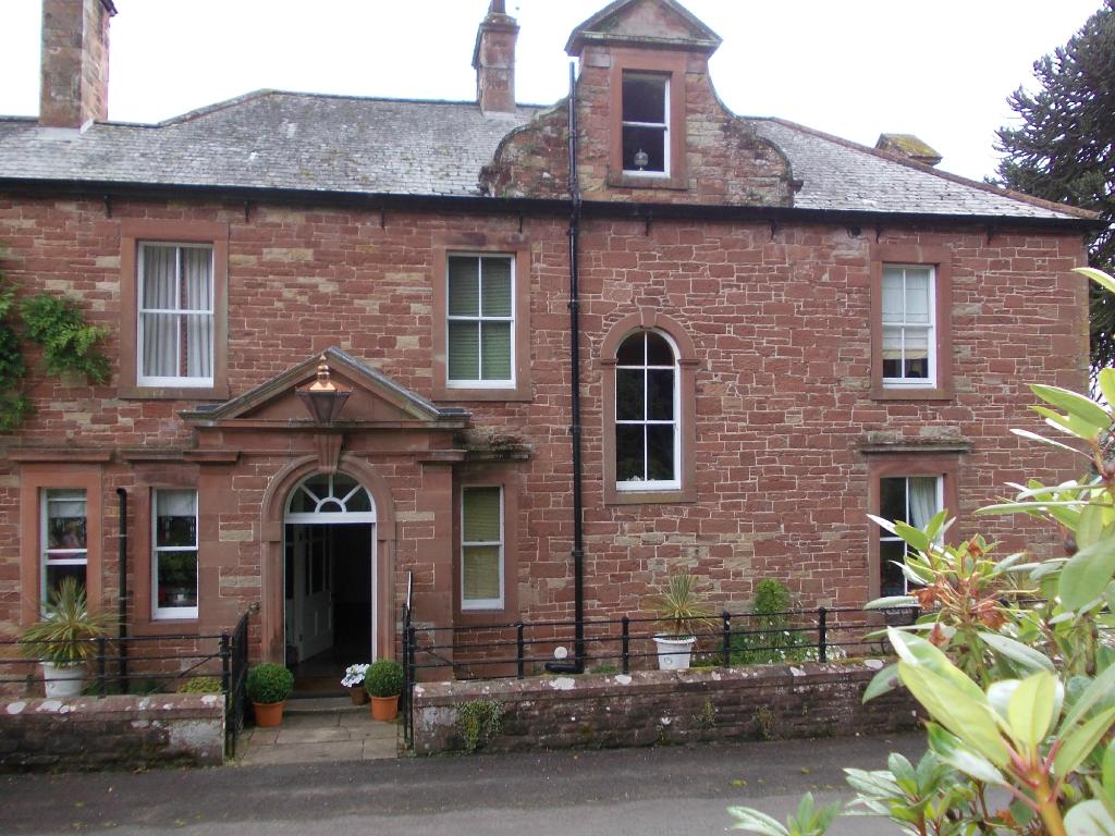 Hawksdale Lodge