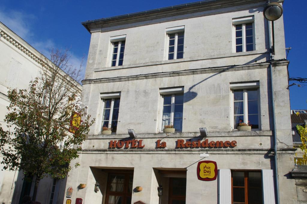 P'tit Dej-HOTEL La Residence